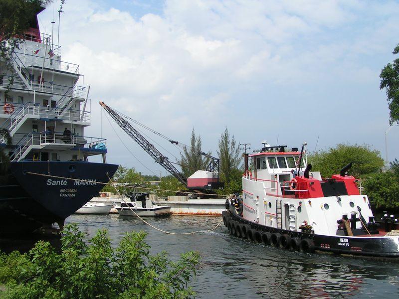 Miami river days 11 016